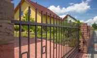 Nový stavební zákon nezmění pravidla pro ploty. Znáte je ale všechny?